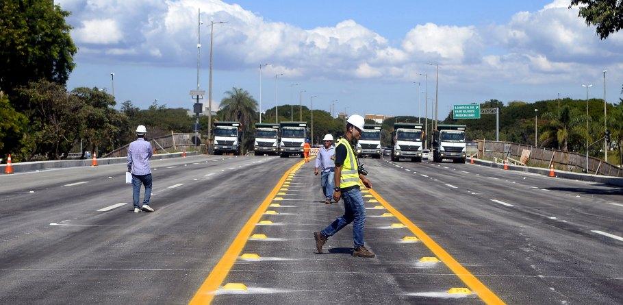 Viaduto do Eixão Sul- trânsito liberado pelo GDF - Bernadete Alves