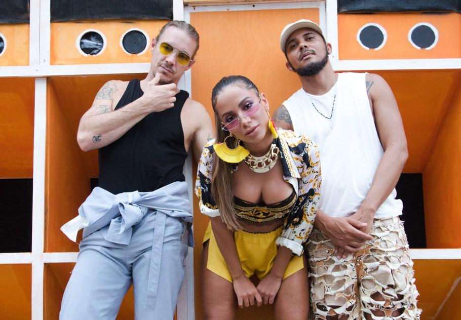 Anitta lança  Clipe Make It Hot patrocinado pelo rum Bacardi - Bernadete Alves