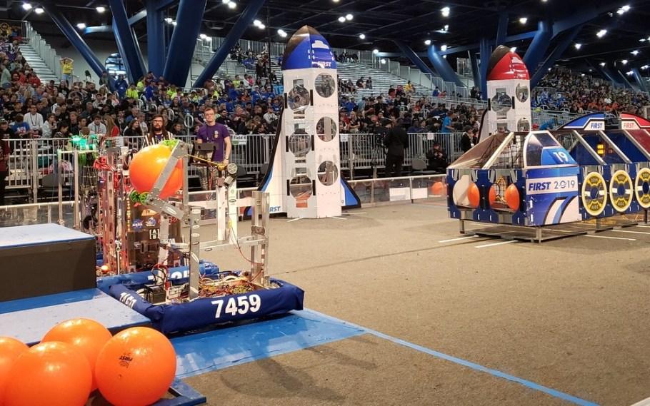 Alunos do Sesi-DF ganham torneio internacional de Robótica - Bernadete Alves