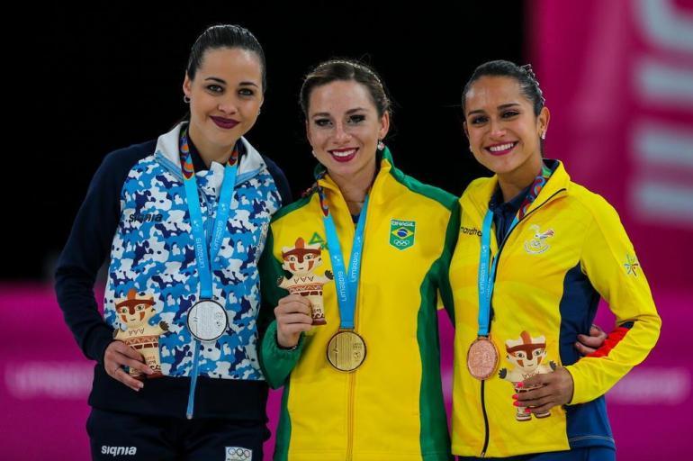 Bruna Wurts da patinação garante 2º Ouro do Brasil no Pan - Pódio - Bernadete Alves