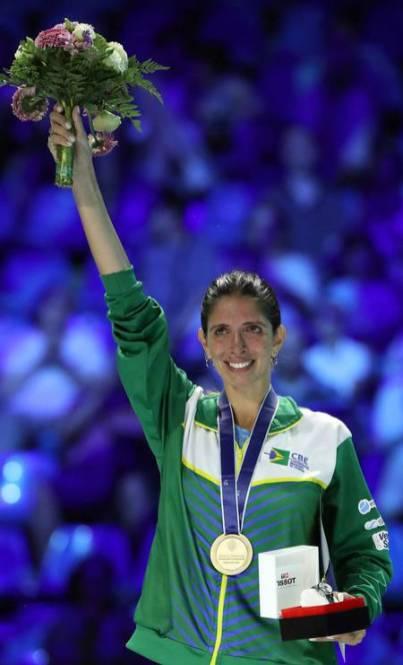 Brasileira Nathalie Moellhausen, ouro em Campeonato Mundial de Esgrima na Hungria
