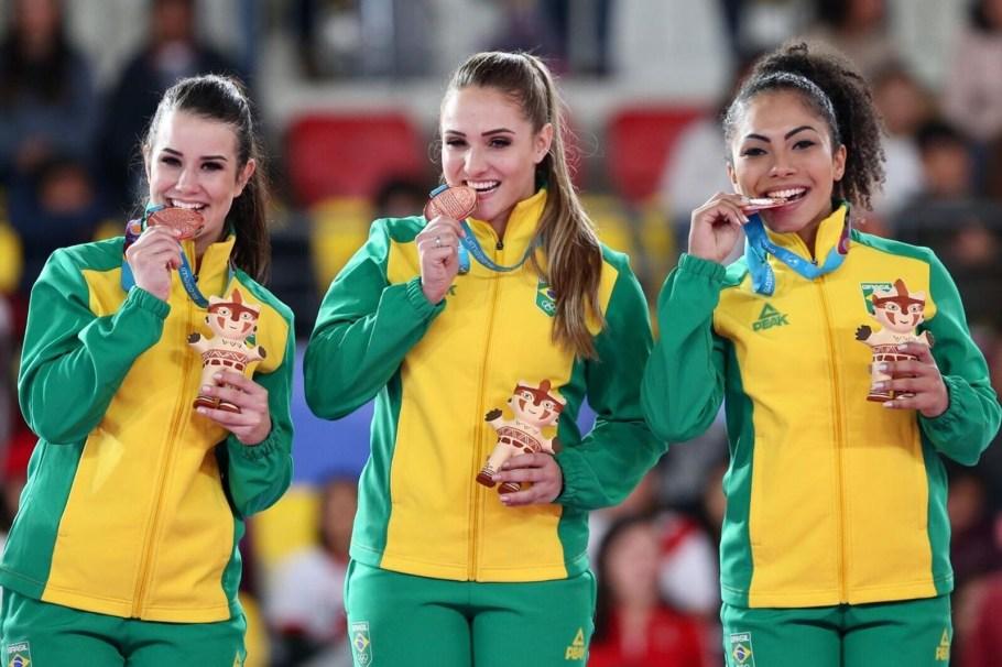 Karatê é bronze com Carolaine e Sabrina Pereira - Pan 2019 - Bernadete Alves