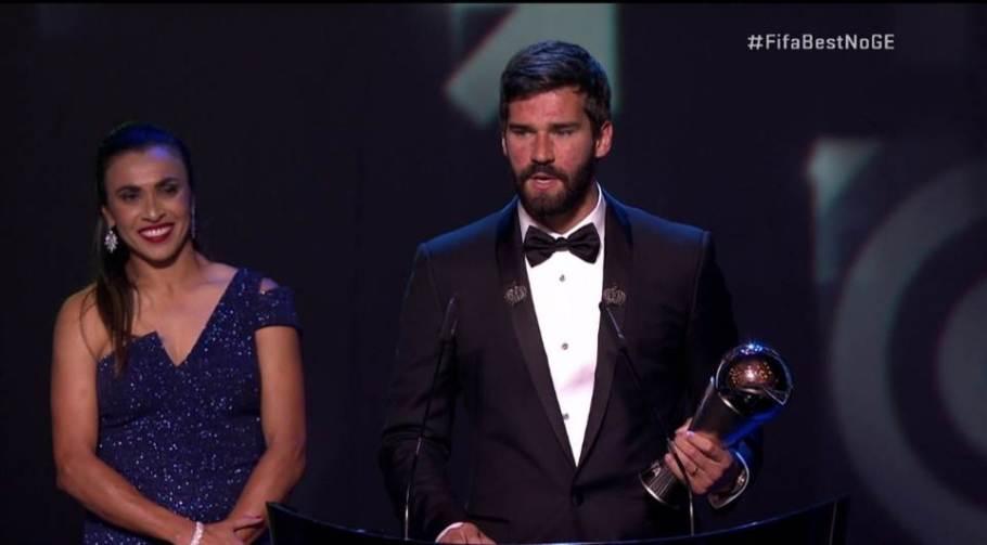 Brasileiro Alisson é eleito o melhor goleiro do mundo - Bernadete Alves