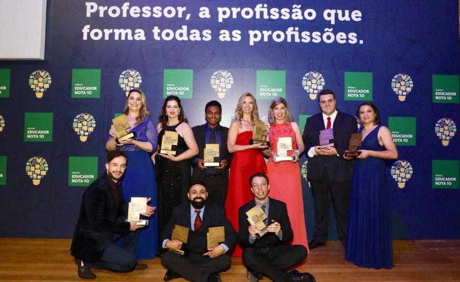 Dia do Professor - Mestre na arte de educar-  Bernadete Alves