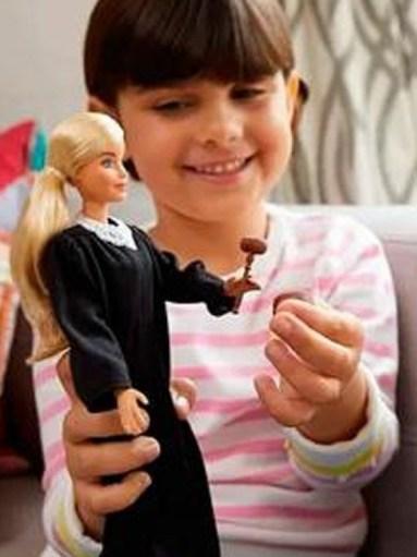 Mattel lança Barbie Juíza em diferentes etnias
