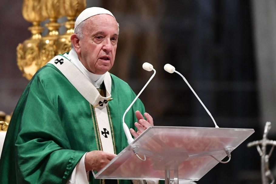 """Papa diz que Amazônia precisa do """"Fogo do amor de Deus"""" - Bernadete Alves"""