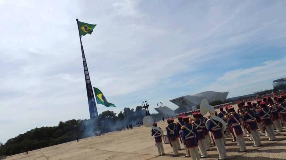 Dia da Bandeira – símbolo de união e amor à Pátria - Bernadete Alves