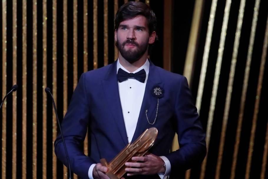Alisson Becker é eleito o melhor goleiro do mundo pela revista France Football - Bernadete Alves