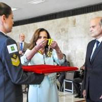 Ludmila Galvão entrega Mérito Procuradoria-Geral do DF em solenidade no Buriti