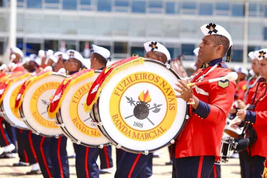 Marinha comanda última troca da Bandeira Nacional em 2019 - Bernadete Alves