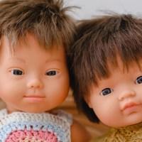 Coleção de bonecos com Síndrome de Down ganha prêmio na Espanha