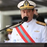 Almirante Almir Garnier assume comando da Marinha do Brasil