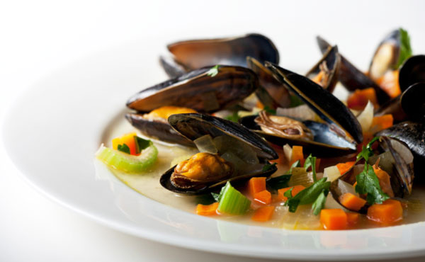 cook-mussels-clams-cooking-seafood