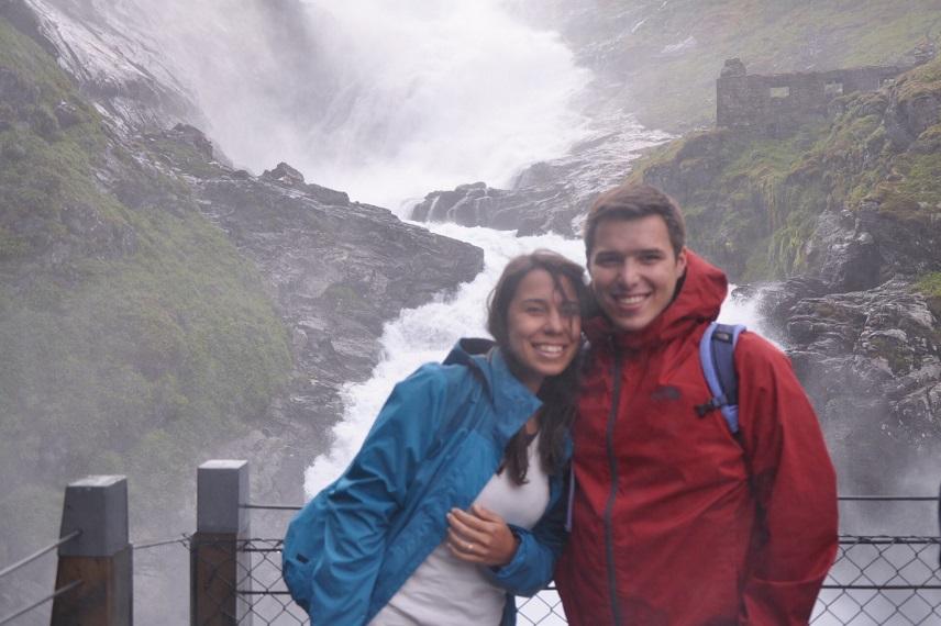 Kjosfossen Şelalesi & Waterfall