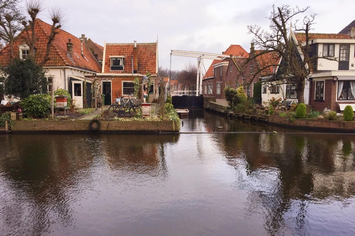 Edam kasabasındaki köprüler