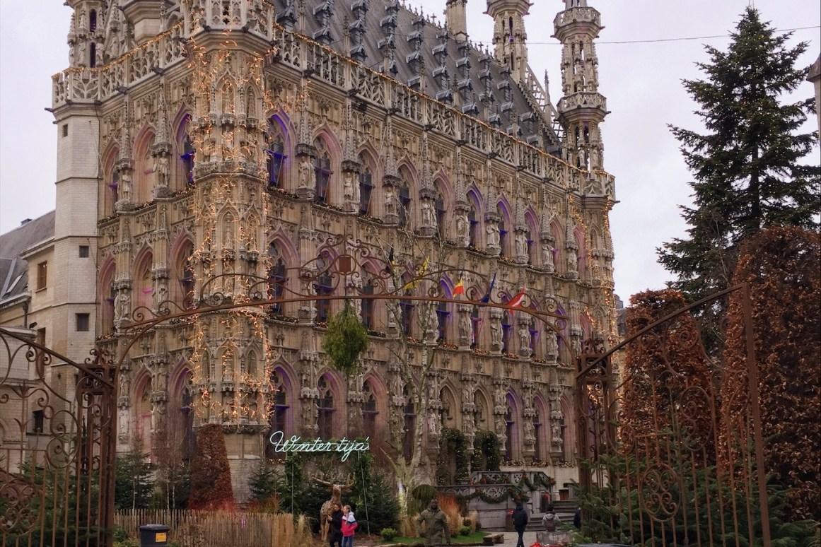 Leuven Belediye Sarayı girişi