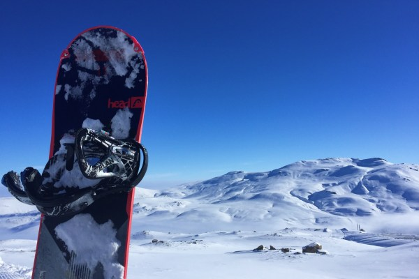 Kayak mı snowboard mu? Hangisini tercih etmeli?