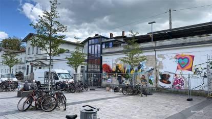 Bernau bleibt bunt - Graffiti für das Bahnhofsgebäude