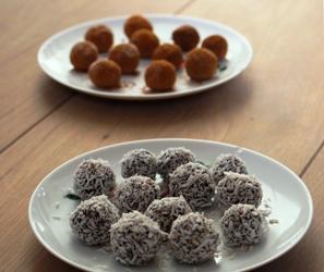 Chocolade-fudgebolletjes met kaneel en kokos