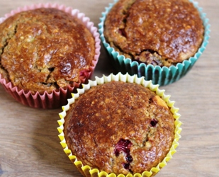 ontbijtmuffins met cranberry en blauwe bes