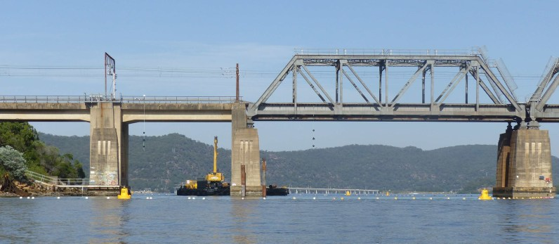 Work starts on repairing the Brooklyn Bridge