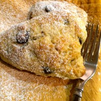 Almond Chocolate Chip Scones