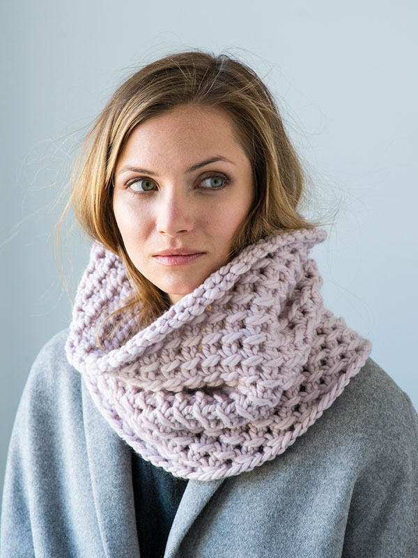 Coffeehouse cowl knitting pattern in Berroco Noble