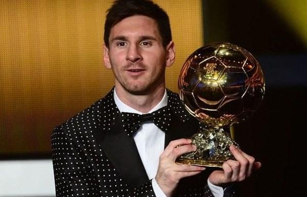Oserez-vous le smoking à pois blancs de Lionel Messi ?