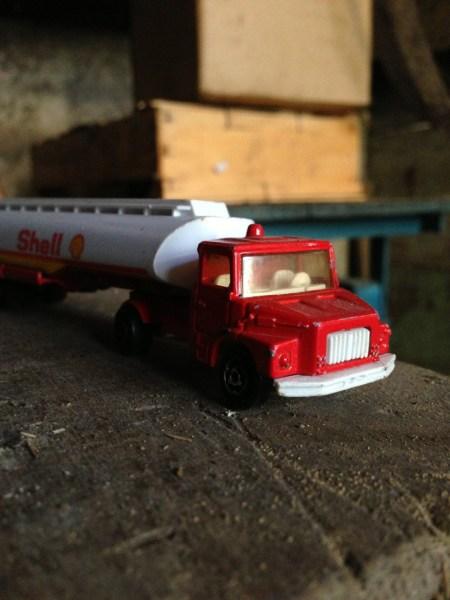 Vendredi 16 août : un petit camion miniature retrouvé dans des cartons