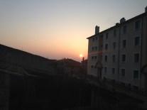 Mercredi 12 mars : levé de soleil depuis notre salle de bain