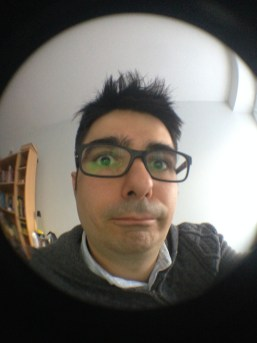 Mercredi 26 mars : selfie avec l'objectif Fisheye de mon iPhone