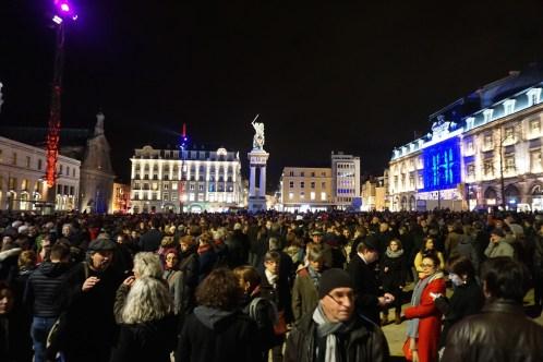 Mercredi 7 janvier : quelques heures après l'attentat, grande manifestation Place de Jaude