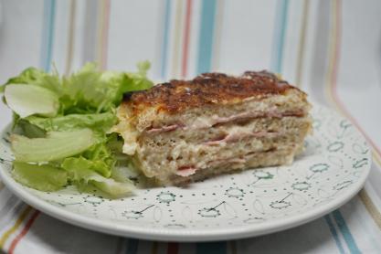 Essai de croque-cake avec une salade
