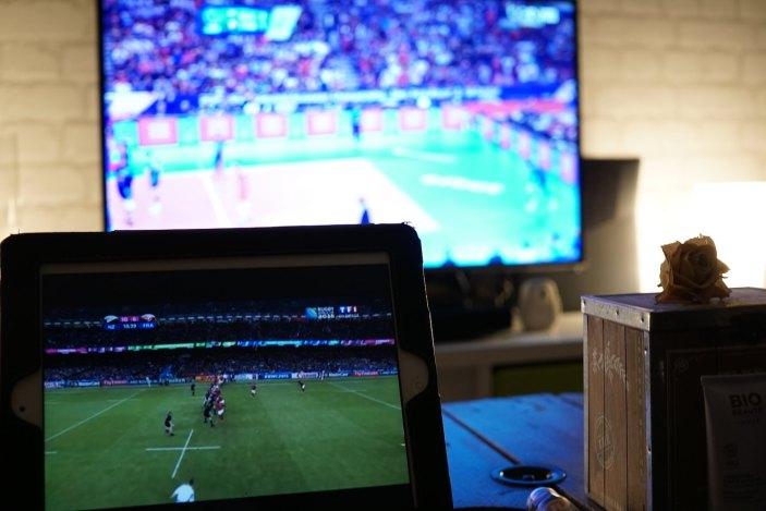 Rugby sur l'iPad, volley à la télé. Allez la France !