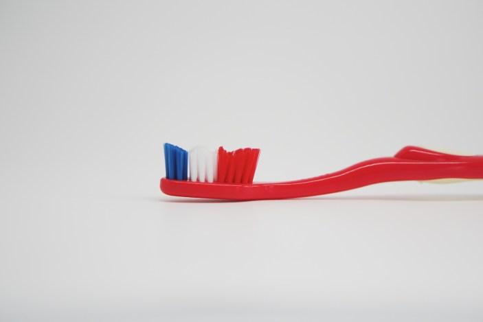 bioseptyl-brosse-dents-dupont-bleu-blanc-rouge-france-3