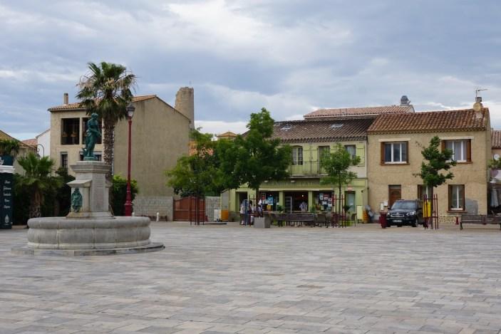 gruissan-place-marche