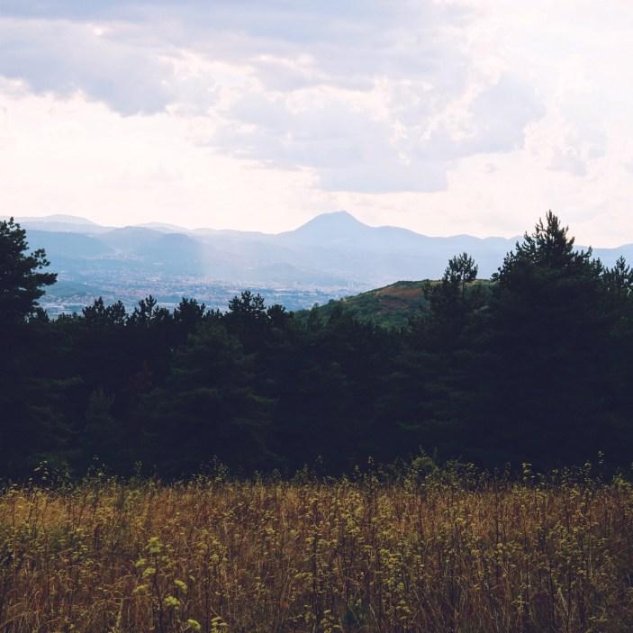 La Chaîne des Puys vue depuis Cournon