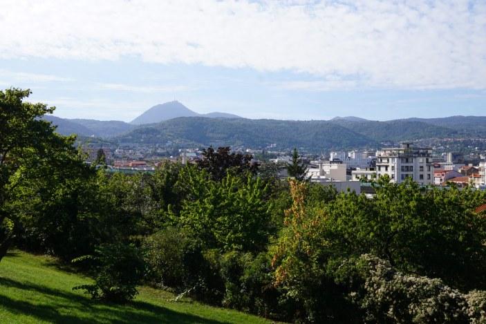 Vue sur le Puy de Dôme et Clermont
