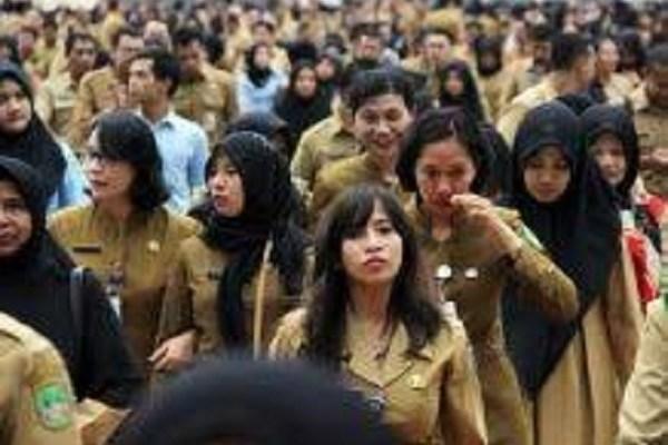 Bawaslu Riau Ingatkan ASN: Like Status Medsos Calon Saja Tak Boleh