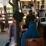 Antisipasi Covid-19 dari Luar Daerah, Pengunjung dan Pedagang di Pasar Nagari Paninjauan Diswab