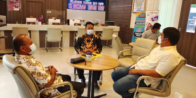Kejati Riau Janji Segera Tindaklanjuti Laporan Bupati Kuansing