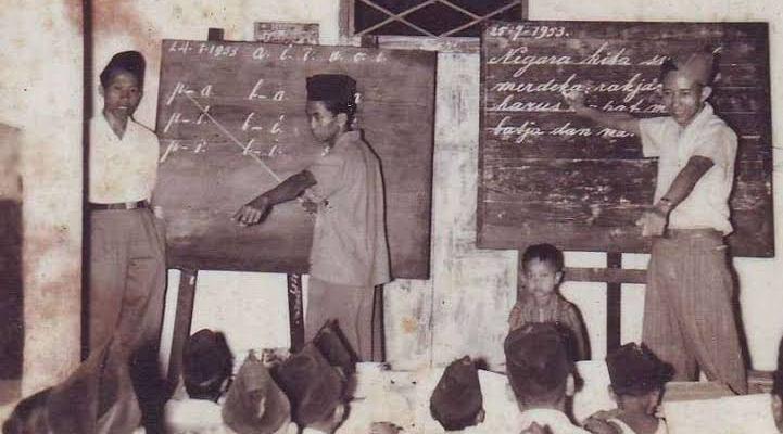 Saat Kolonial Belanda Awasi Sekolah Pribumi