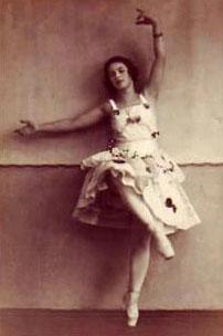 altes Foto sepia: Ballerina in Pose