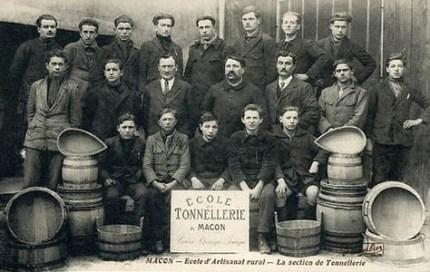 Foto: französische Böttcher Lehrlinge