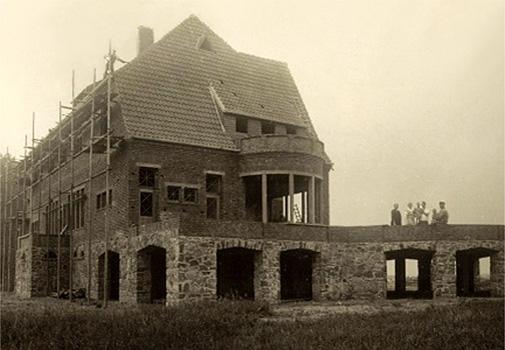 sw-Foto: Rohbau eines Wohnhauses