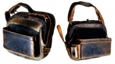 antike Schaffnertaschen aus Leder