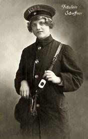 Fräulein Schaffner, Schaffner, Fahrkartenkontrolleurin