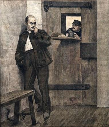 s/w Druck: Dreyfus in der Zelle bekommt vom Gefängniswärter Essen und Getränk durch die Türluke gereicht