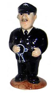 Gefängniswärter (Keramikfigur) in Uniform mit Schlüsselbund