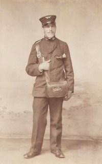 Foto: Strassenbahnschaffner in Uniform